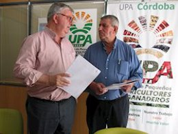 El secretario general de UPA Andalucía, Miguel Cobos García, a la izquierda de la imagen.
