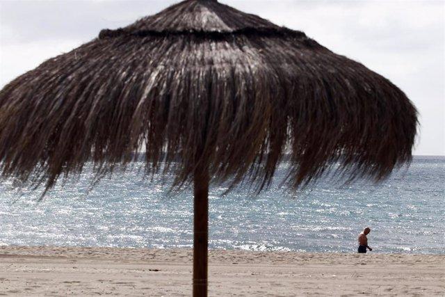 Vistas  del paseo marítimo en Málaga en una imagen de archivo