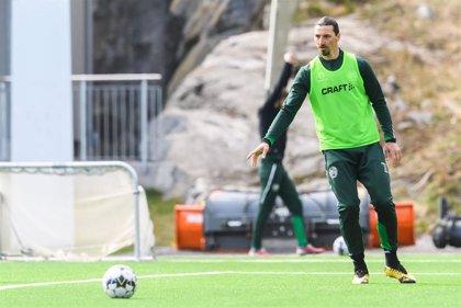 Ibrahimovic sufre una lesión muscular entrenando con el Milan