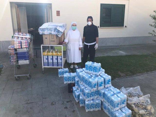 Donaciones por parte de la hermandad de la Vera-Cruz de Alcalá del Río (Sevilla).