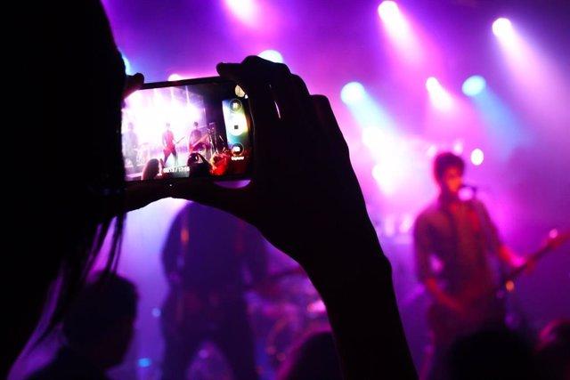 Festival de música y smartphone, recurso
