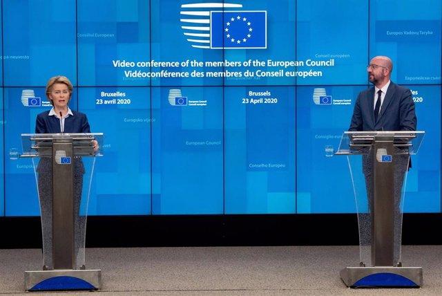 Ursula von der Leyen y Charles Michel en una rueda de prensa en Bruselas