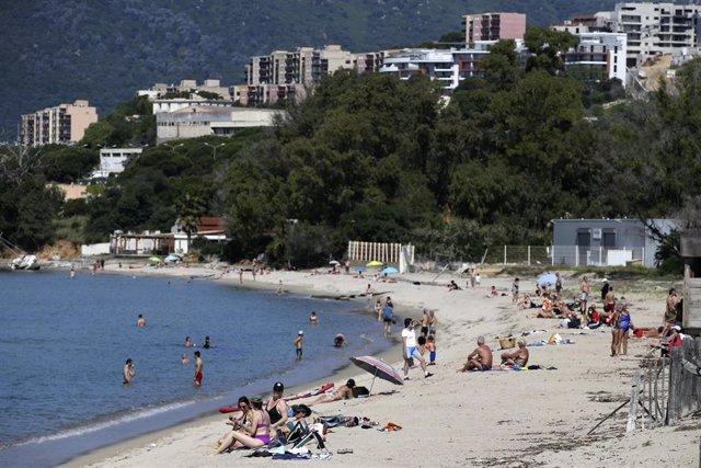Playa en Ajaccio, Córcega, Francia