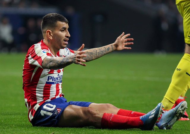 MADRID, SPAIN - JANUARY 23:  Angel Correa of Atletico de Madrid protest during La Liga football match played between Atletico de Madrid and Villarreal at Wanda Metropolitano stadium on January 23, 2020 in Madrid, Spain.