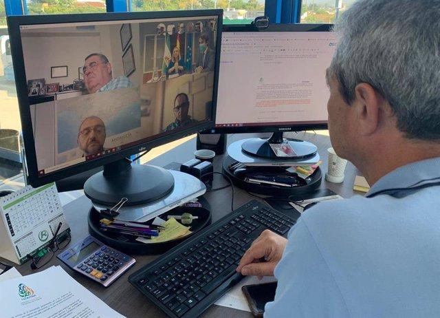 Imagen de la videoconferencia entre Fedintra (Federación Independiente del Transporte de Andalucía) y la consejera de Fomento, Marifrán Carazo.