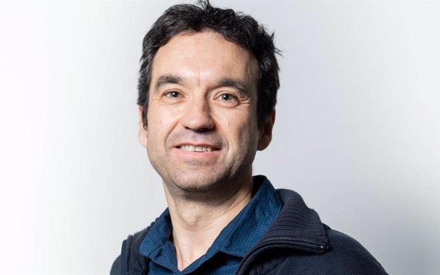 Salvador Carranza (Barcelona, ??1968), graduat en biologia per la Universitat de Barcelona (UB) i doctorat en biologia en 1997 a la mateixa universitat, és el nou director de l'Institut de Biologia Evolutiva (IBE)