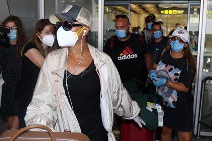 Los concursantes de 'Supervivientes' aterrizan en España entre medidas de seguridad y nervios
