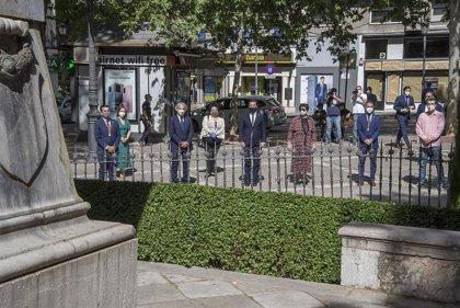 Ofrenda floral en Granada a Mariana Pineda en el 189 aniversario de su muerte