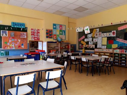 """CSIF asegura que la instrucción para la fase 2 en los centros educativos """"indigna a los docentes"""" por """"contradictoria"""""""