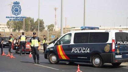 Detenido por herir a tres agentes al darse a la fuga en un control en Motril (Granada)