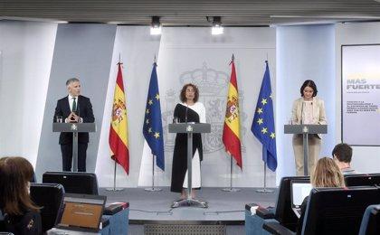 """Montero ve """"lógico"""" que PSOE abandone la comisión andaluza de reconstrucción al presidirla Vox"""