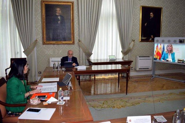 Reunión de la ministra Carolina Darias y la consellera Gabriela Bravo
