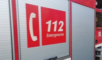 Tres personas afectadas por humo en el incendio de una casa en Puerto Real (Cádiz)