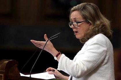 """Calviño avisa de que la solución europea """"no puede ser más deuda a nivel nacional"""""""
