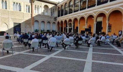 Las hermandades de Sevilla aprueban devolver el dinero de las sillas de Carrera Oficial a los abonados que lo soliciten