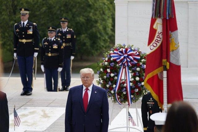 """Coronavirus.- Trump insiste en que puede """"anular"""" a los gobernadores si no reabr"""