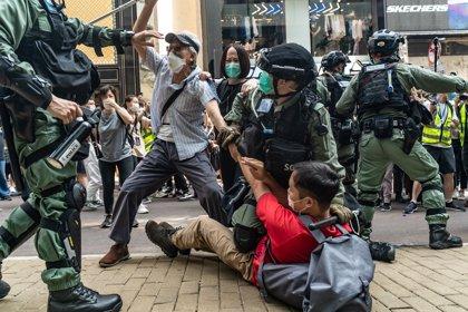 """Unos 300 detenidos en Hong Kong en protestas contra la ley que criminaliza los """"insultos"""" al himno chino"""