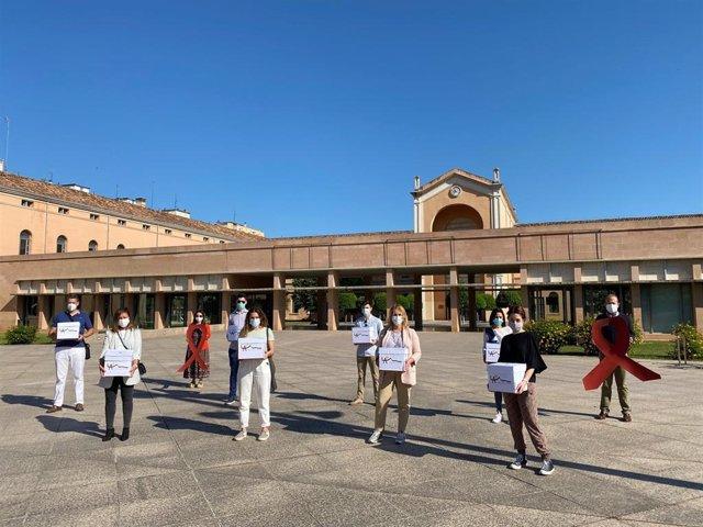 Entrega de cartas en contra a las decisiones de Educación en Logroño