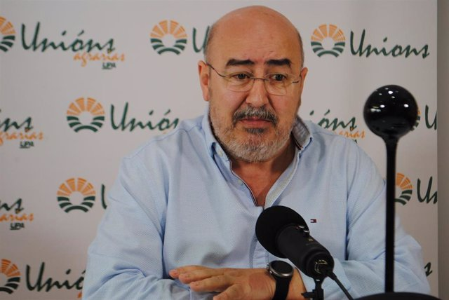 El secretario xeral de UU.AA., Roberto García, en rueda de prensa