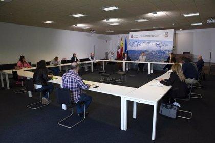 Cantabria seguirá impulsando los GAL para atender las necesidades rurales
