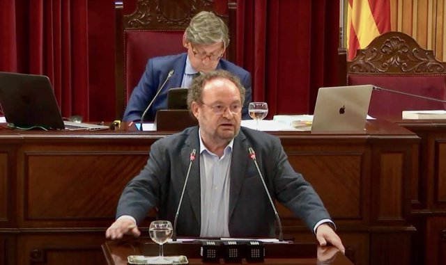 El diputado socialista Damià Borràs en una intervención en el Parlament