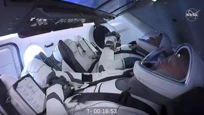 El mal tiempo impide el despegue de la primera Crew Dragon tripulada