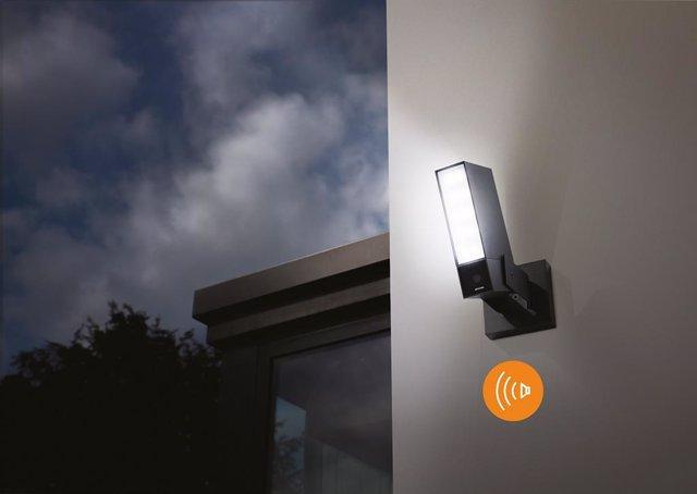 Netatmo lanza una cámara exterior inteligente con sirena y 20 metros de detecció
