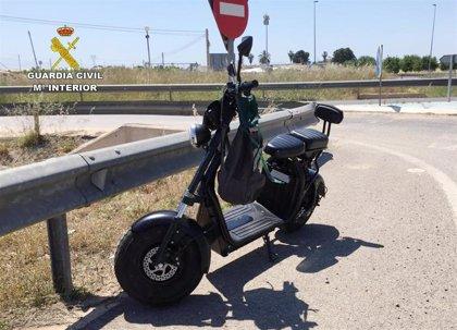 Investigan al conductor de un patinete eléctrico que circulaba sin permiso y sextuplicando la tasa de alcohol