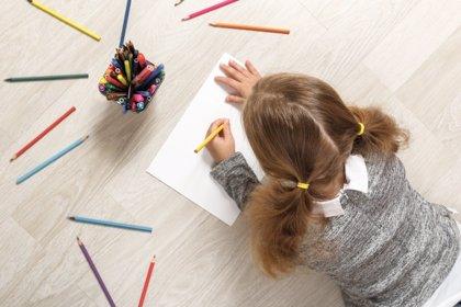 Los niños zurdos: cómo vivir en un mundo de diestros