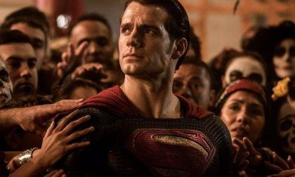 Henry Cavill negocia regresar como Superman en otras películas de DC, pero no en Man of Stell 2