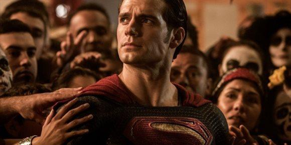 3. Henry Cavill negocia regresar como Superman en otras películas de DC, pero no en Man of Stell 2