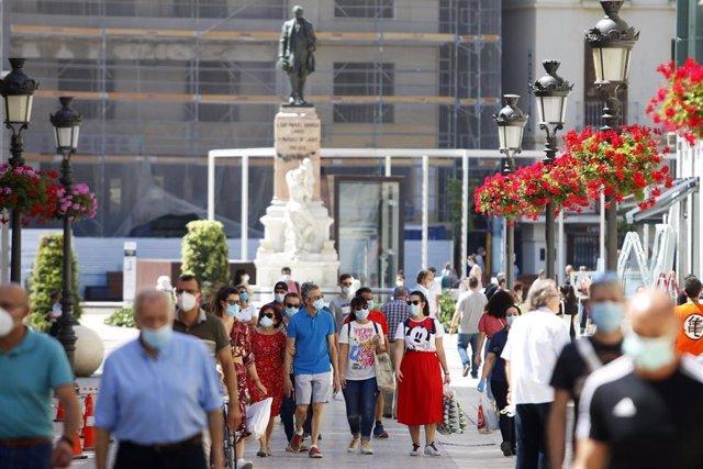 Ambiente en Málaga con personas con mascarillas que aún se encuentra en Fase 1 a las espera de pasar a la fase 2 la próxima semana. Málaga a 25 de mayo del 2020