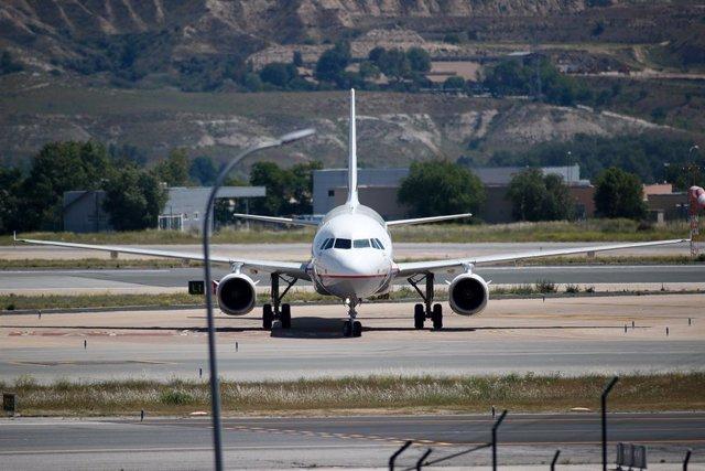 Costa Rica baja el precio del combustible de los aviones para reactivar el turismo