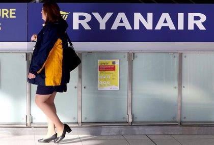 Ryanair plantea el despido de 250 pilotos y un recorte de salarios del 20% durante 5 años