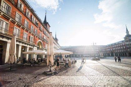 Las terrazas de Madrid podrán ampliar los horarios de su cierre y locales de ocio nocturno instalar terrazas