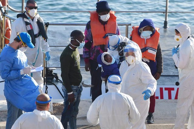 Europa.- Malta alquila un cuarto barco turístico para albergar a otros 75 migran