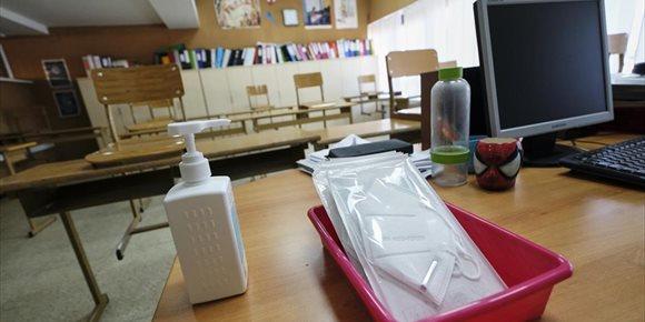 5. Madrid, a la espera de que el Sanidad autorice la vuelta a las aulas el lunes, envía instrucciones a los centros