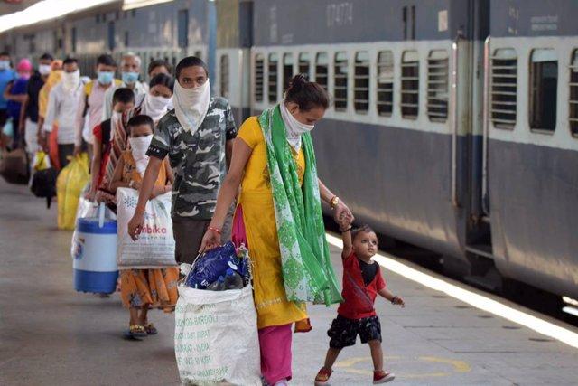Coronaviurs.- India supera los 4.500 muertos por coronavirus tras registrar su s
