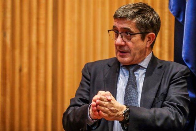 El presidente de la recién instaurada Comisión para la Reconstrucción, Patxi López, arranca la ronda de comparecencias en el Congreso,