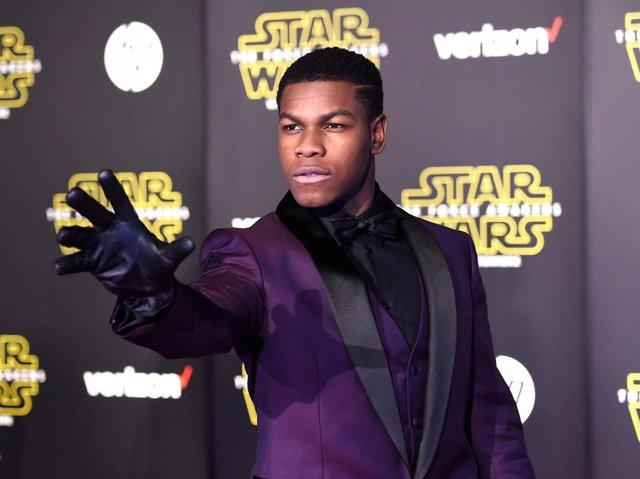 Este viernes 18 de diciembre se estrena en los cines de todo el mundo 'Star Wars: el despertar de la Fuerza', pero algunos afortunados ya han podido disfrutar la película en la premiere que tuvo lugar el pasado lunes en Los Angeles