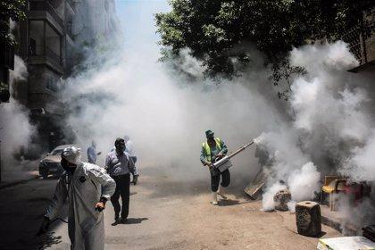 Egipto registra por primera vez más de 1.000 casos de la COVID-19