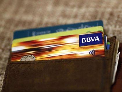 El gasto con tarjeta en Asturias fue ya la semana pasada mayor que hace un año, según BBVA