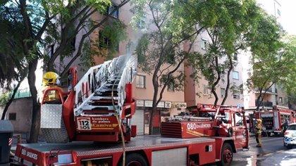 Evacuadas 12 personas, una trasladada a Son Espases, por un incendio en un piso de la calle Indalecio Prieto