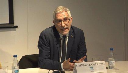 Gaspar Llamazares lanza un ensayo en el que aborda los retos de la sanidad española