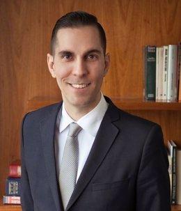Varios.- El abogado Luis Fernando Pamplona aboga por la planificación para evita