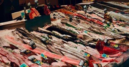 Las ventas de pescado caen un 10% en la desescalada a pesar de la reapertura parcial de bares y restaurantes
