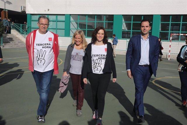 a presidenta de la Comunidad de Madrid, Isabel Díaz Ayuso, el vicepresidente , Ignacio Aguado, y el consejero de Educación Enrique Ossorio, presentan la ampliación de una tercera hora de la asignatura de Educación Física que comenzará el próximo curso.