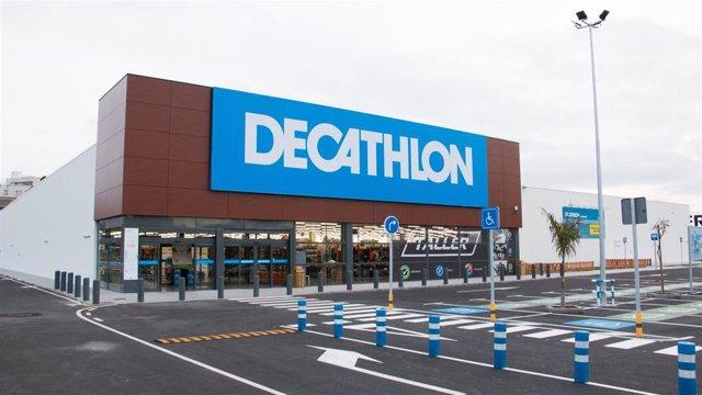 Varios.- Una brecha de seguridad en Decathlon España expone 123 millones de registros