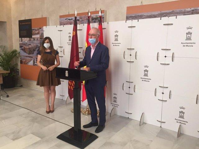 Navarro ofrece los detalles del proyecto en rueda de prensa