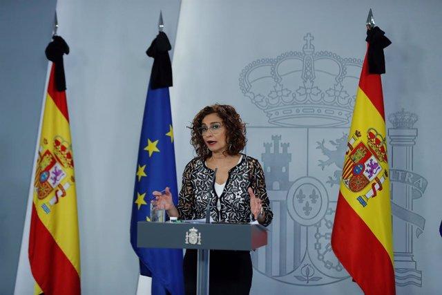 La ministra de Hacienda y portavoz del Gobierno, María Jesús Montero, ofrece una rueda de prensa tras el Consejo de Ministros celebrado este viernes, que ha aprobado el Ingreso Mínimo Vital, en Madrid (España), a 29 de mayo de 2020.